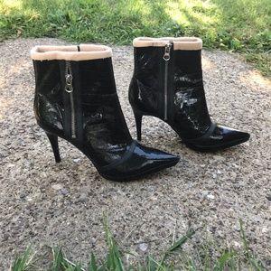 Carlos Santana Black Patent Leather Heeled Boots